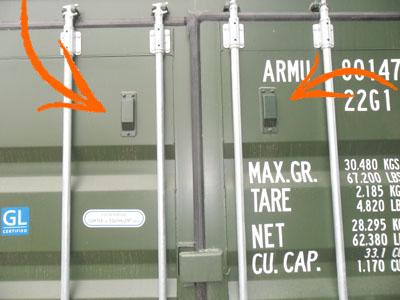 Storage container anti condensation vents